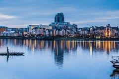 De horizon van Victoria BC bij schemer in Maart Royalty-vrije Stock Foto's