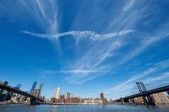 De horizonmening van Manhattan van Brooklyn Stock Foto's