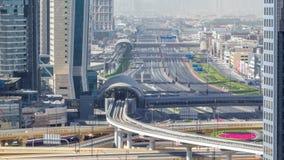 De de horizonochtend van de binnenstad van Doubai timelapse en Sheikh Zayed-verkeer, de V.A.E stock video