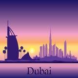 De horizonsilhouet van Doubai op zonsondergangachtergrond Stock Afbeelding