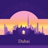 De horizonsilhouet van Doubai op zonsondergangachtergrond Royalty-vrije Stock Foto's