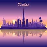 De horizonsilhouet van Doubai op zonsondergangachtergrond Stock Foto