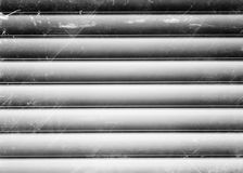 De horizontale zwart-witte uitstekende achtergrond van de metalltextuur Royalty-vrije Stock Foto's
