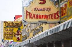 De Hotdogs Coney Island van Nathan Stock Afbeelding