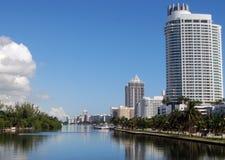 De Hotels en de Flatgebouwen met koopflats van het Strand van Miami Royalty-vrije Stock Foto