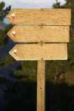 De houten aanplakbordspatie voegt uw tekst toe stock foto