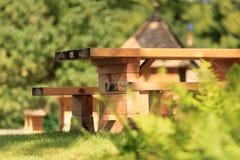 De houten banken sluiten omhoog Stock Foto