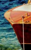 De houten boog van de snelheidsboot royalty-vrije stock foto's