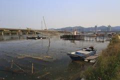 De houten boot in het waterdorp Royalty-vrije Stock Foto