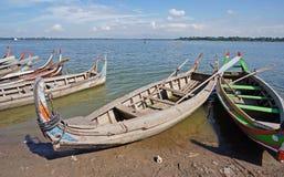 De houten boten in meer Stock Afbeelding