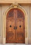 De houten deur van de kerk Royalty-vrije Stock Afbeeldingen