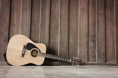 De Houten gitaar Stock Afbeelding
