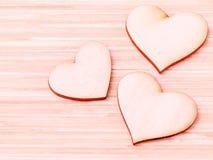 De houten harten op houten achtergrond Royalty-vrije Stock Foto