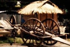 De houten Hut van het Stro Kart_ Stock Foto's