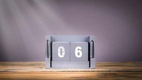 6 de houten kalender van December in motie stock video