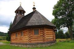 De houten kerk in Wola Michowa (Bieszczady, Polen) Stock Foto
