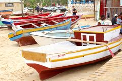 De houten mensen van het vissersbotenstrand, Kaapverdië Royalty-vrije Stock Foto