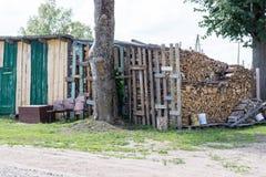De houten plaats van de logboekopslag stock fotografie