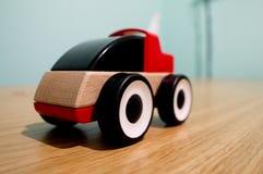 De houten raceauto van Ikea royalty-vrije stock afbeelding