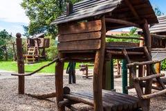 De houten speelplaats van Nice royalty-vrije stock foto's