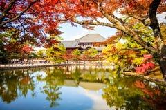 De houten toren van aan-ji-Tempel in Nara Japan is grootste te Stock Foto's