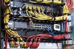 De hub en het flardkabels van het netwerk Royalty-vrije Stock Foto