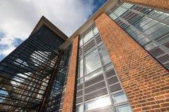 De Hub, onderhouden bureaus in een vernieuwde art decostijl die op Farnborough-Bedrijfspark, Hampshire het UK voortbouwen royalty-vrije stock afbeelding