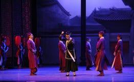 De huishoudster - de eerste handeling van de gebeurtenissen van dans drama-Shawan van het verleden stock afbeelding