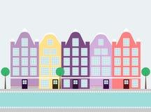 De huizen van Amsterdam op het water Stock Foto