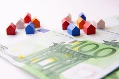 De huizen van de hypotheek Stock Afbeeldingen