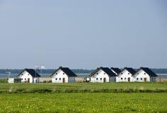De huizen van de oever van het meer Stock Afbeelding