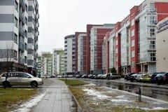 De huizen van de Vilniusstad in Zirmunai-de stad van districtsnord Stock Foto