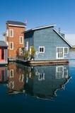 De huizen van de vlotter of jachthavendorp royalty-vrije stock fotografie