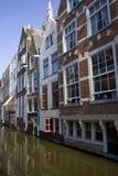 De huizen van Delft Stock Afbeeldingen