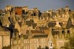 De Huizen van Edinburgh in Zonsondergang Royalty-vrije Stock Fotografie