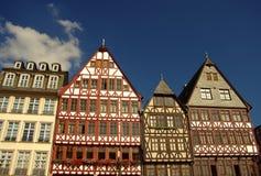 De huizen van Fachwerk in Romerberg in Frankfurt Royalty-vrije Stock Afbeeldingen