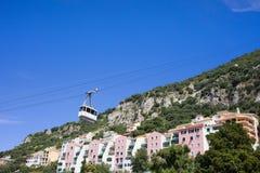De Huizen van Gibraltar en Kabelwagen Stock Fotografie