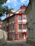 De huizen van Praag Stock Afbeeldingen