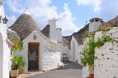 De huizen van Trulli in Alberobello, Italië Stock Foto's