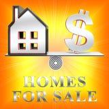 De huizen voor Verkoopmiddelen verkopen Huis het 3d Teruggeven Royalty-vrije Stock Afbeeldingen