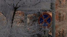 De huizentak van de de winterstad stock videobeelden