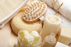 De hulpmiddelen en de handdoeken van de massage Royalty-vrije Stock Fotografie