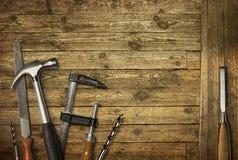 De hulpmiddelen oud hout van het timmerwerk stock afbeeldingen