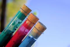 De Hulpmiddelen van de kunstenaar leren te schilderen stock afbeeldingen