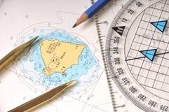 De Hulpmiddelen van de meetkunde op een Kaart Stock Afbeeldingen
