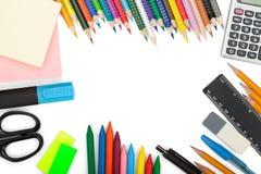 De hulpmiddelen van de school en van het bureau Stock Foto's