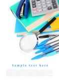 De hulpmiddelen van de school op een witte achtergrond Stock Foto's