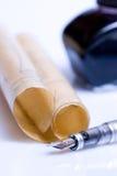 De hulpmiddelen van het perkament en het schrijven stock foto