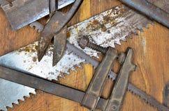 De hulpmiddelen van het werk op hout stock fotografie