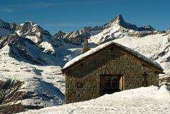 De hut van de berg royalty-vrije stock afbeelding